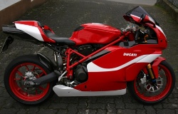 Ducati 999S by DucDickel